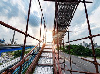 Rusztowania elewacyjne – konstrukcje niezbędne na niemal każdej budowie